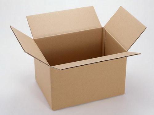废旧纸箱变小商品摄影棚